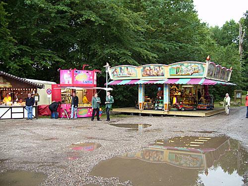 Kinderkarussell und Buden - Schützenfest Reinbek