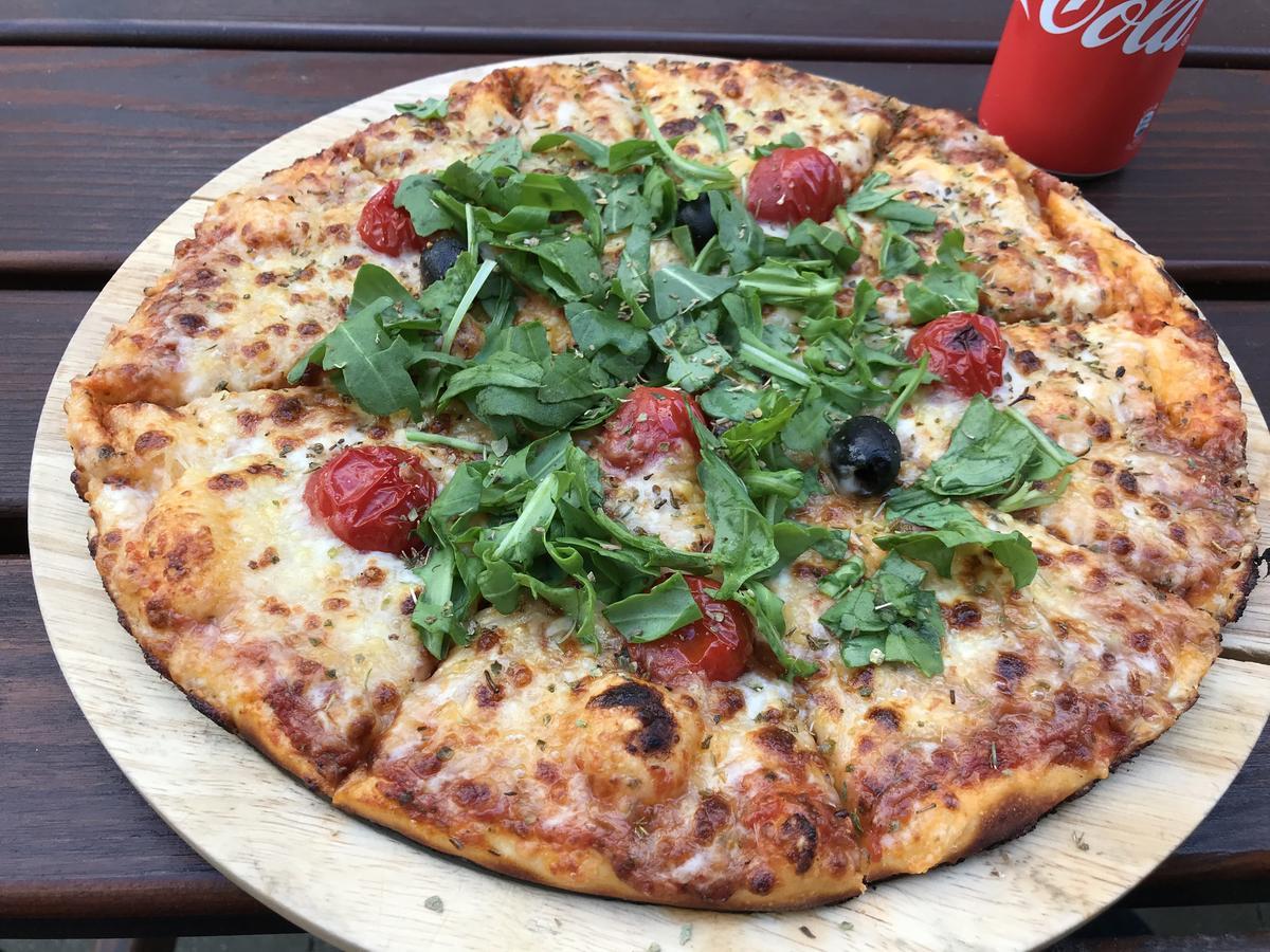 Pizza Mozzarella Tomate Rucola