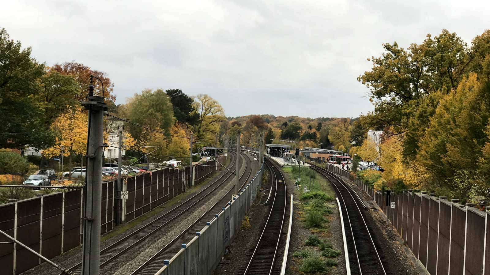 Bahnhof Reinbek im Herbst